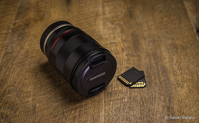 Samyang 85mm F1.8 ED UMC CS Lens - Excellent portability which created mirrorless users