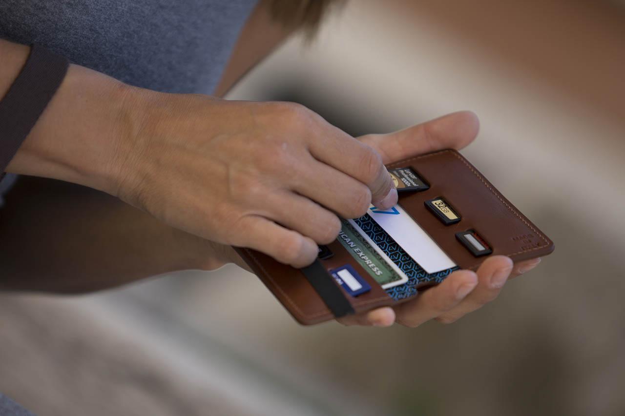 4V Design SD記憶卡儲存皮套 (WALLY) - 意大利製造